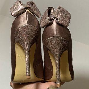 Enzo Angiolini | Glitter Heel | Bow Back Pumps